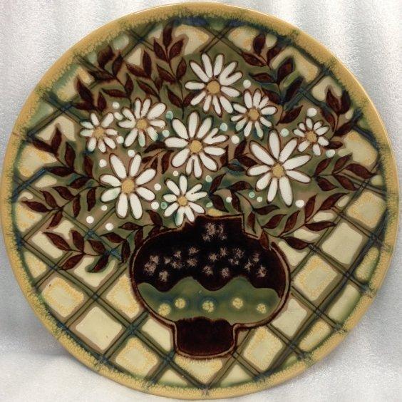 Декоративная тарелка «Ромашки в вазе» ЛКСФ 1970 е - Декоративная тарелка «Ромашки в вазе» ЛКСФ